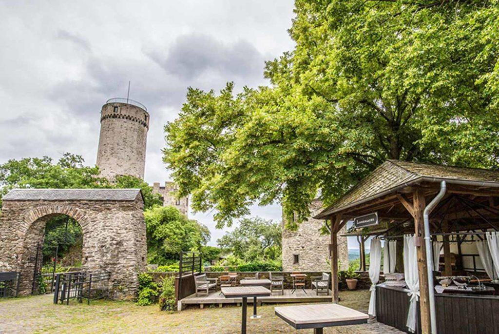 Burg_Pyrmont_2_1300x870px