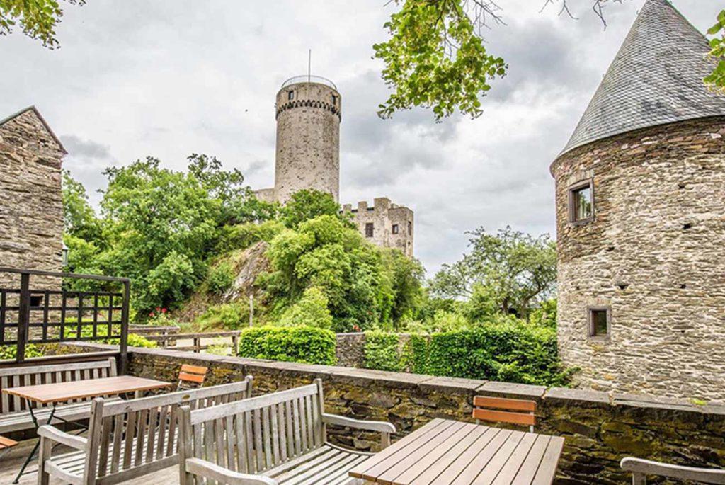 Burg_Pyrmont_3_1300x870px