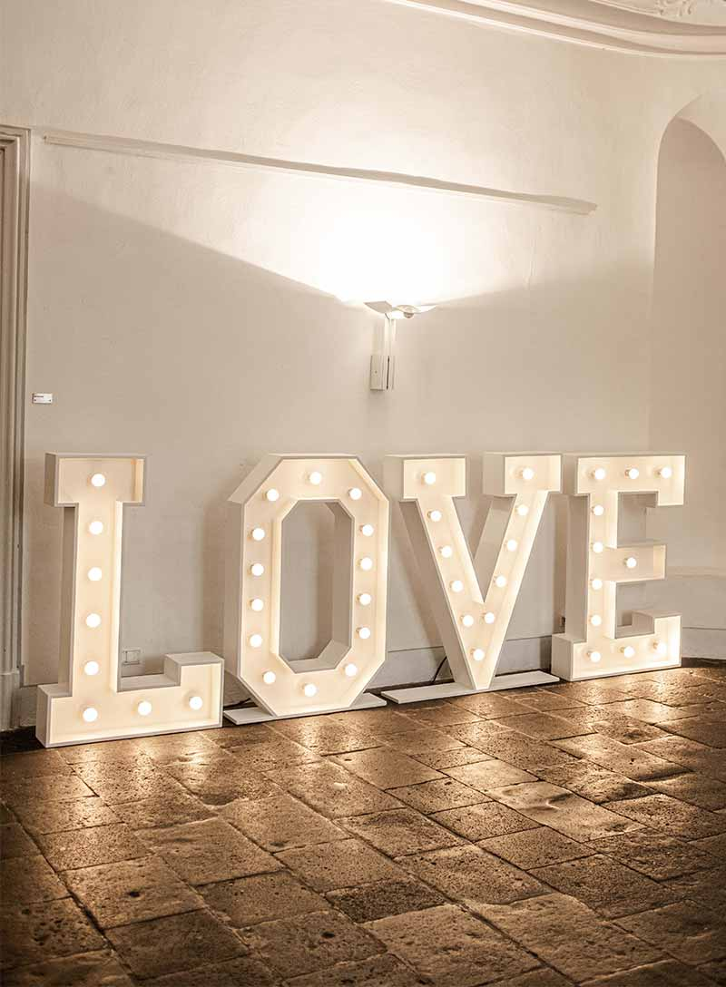 Produktbild_LED_LOVE_Buchstaben_800x1088