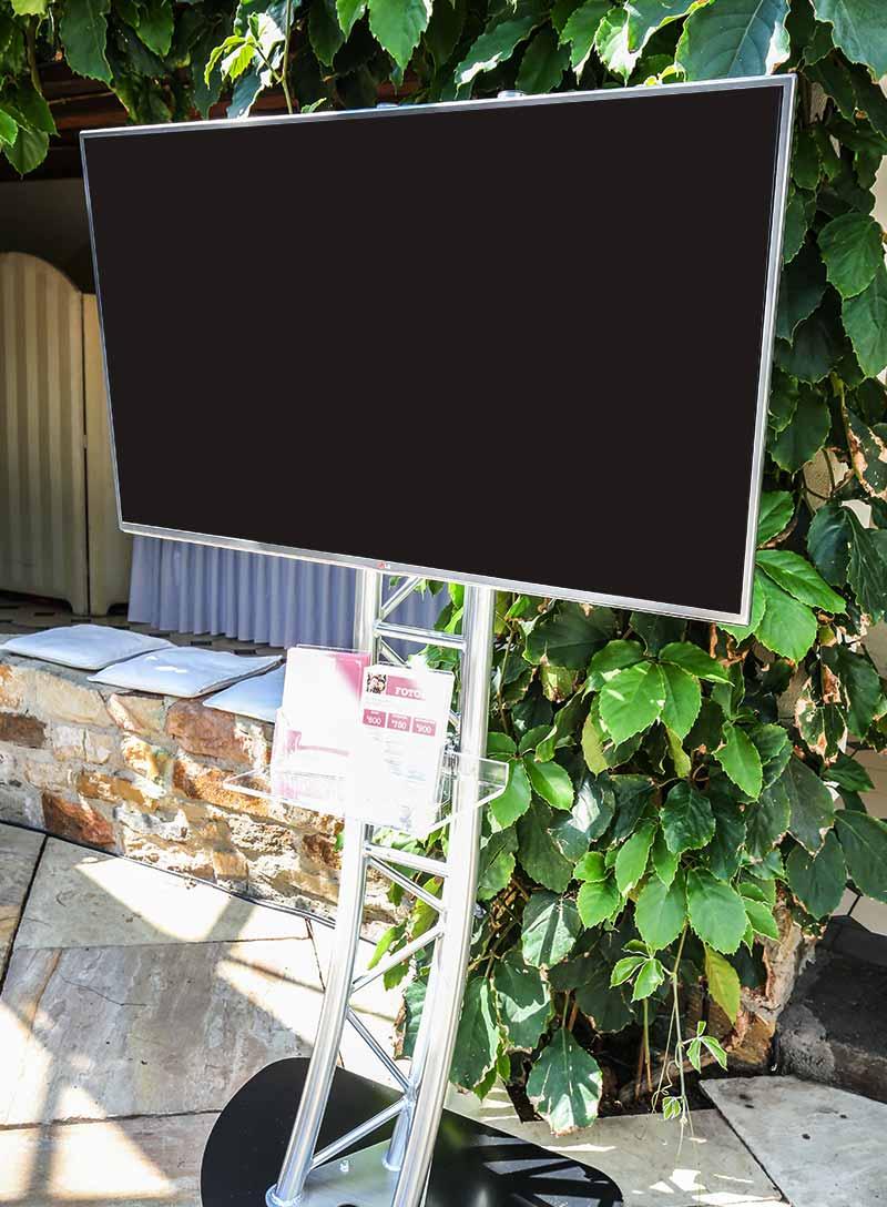 Produktbild_Truss_TV-Stand_800x1088px