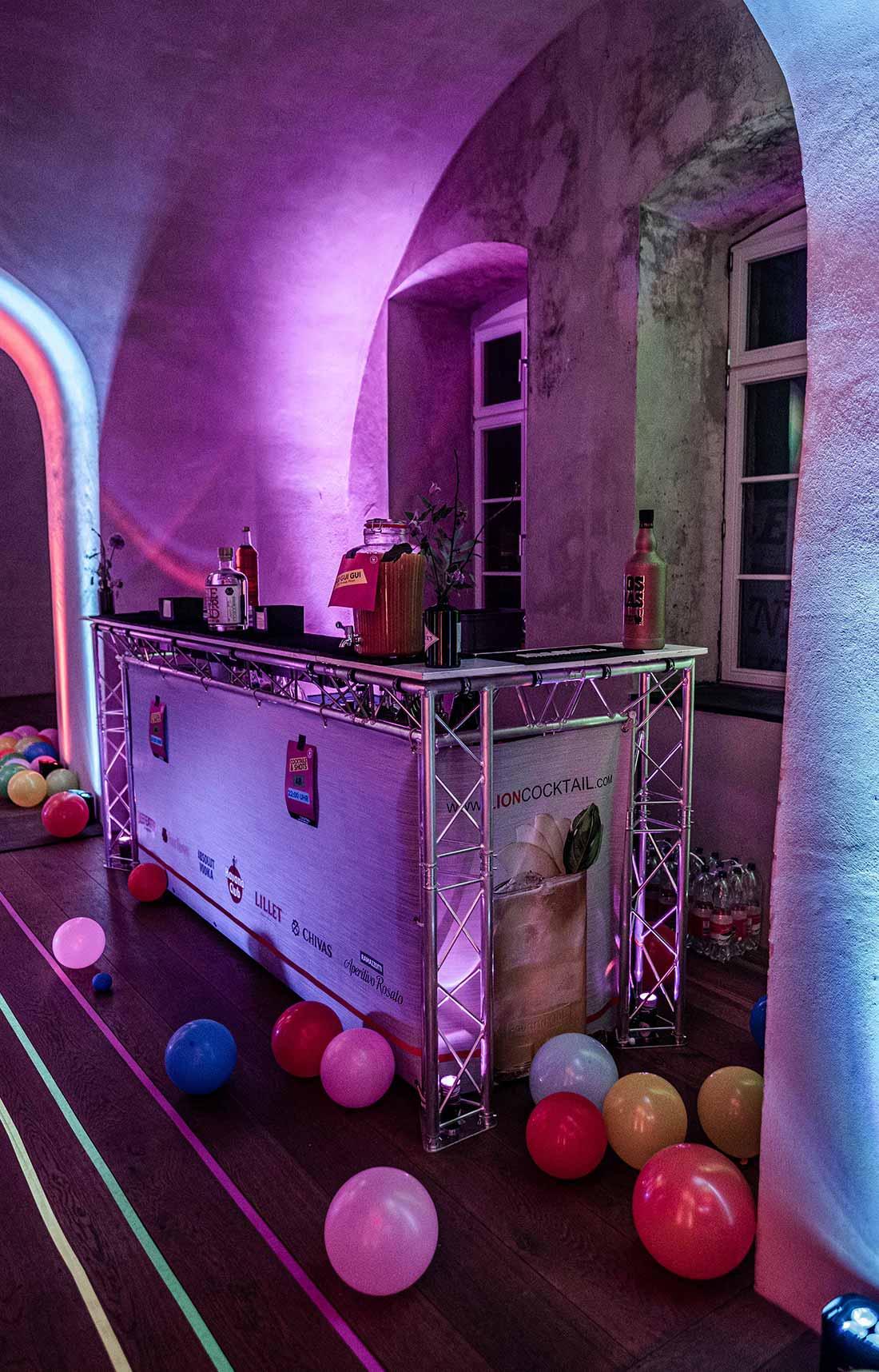 Referenzen_Bad_Taste_Party_1300x870px_12