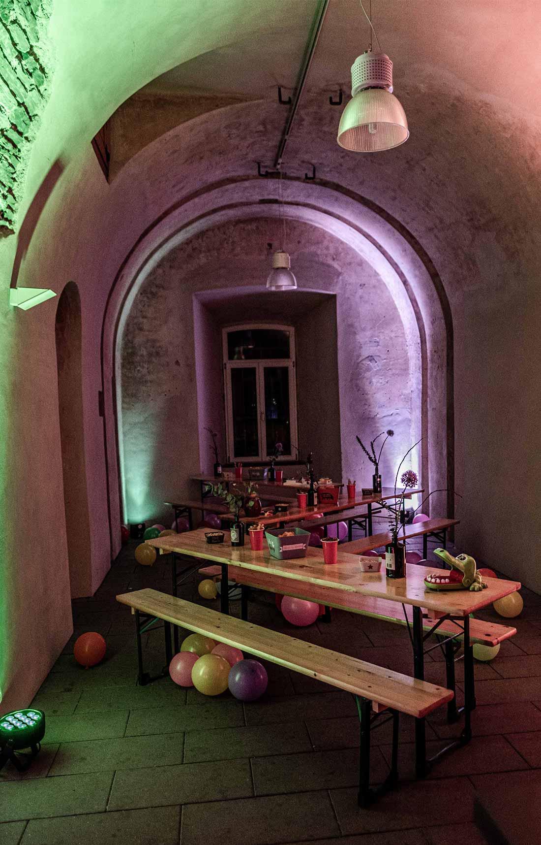Referenzen_Bad_Taste_Party_1300x870px_8