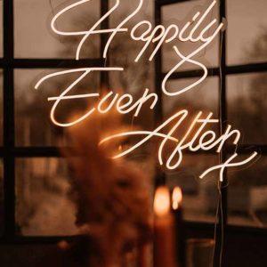 Produktdetailbild_Neonschriftzug_happily_ever_after_800x616px-4