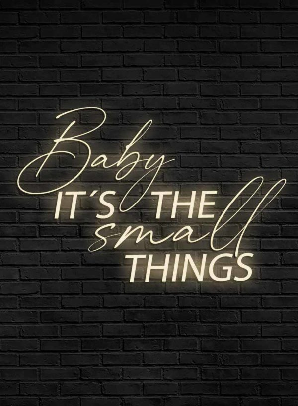 Produktbild_Neonschriftzug_Baby_its_the_small_things_800x1088px