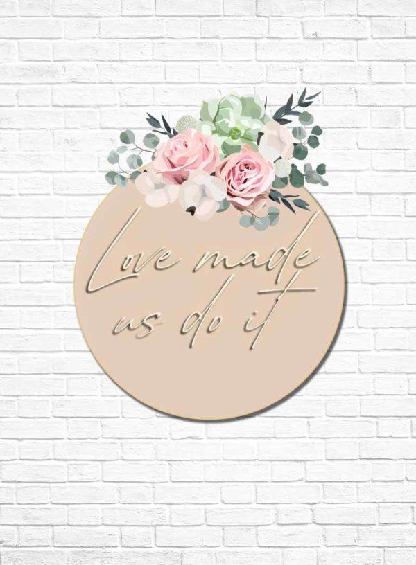 Produktbild_Neonschriftzug_love_made_us_do_it_800x1088px