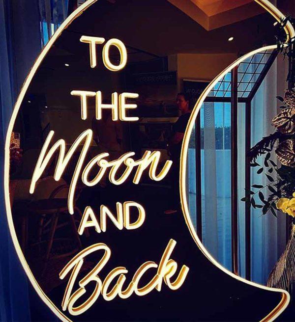 Produktbild_Neonschriftzug_to_the_moon_and_back_150cm_800x1088px